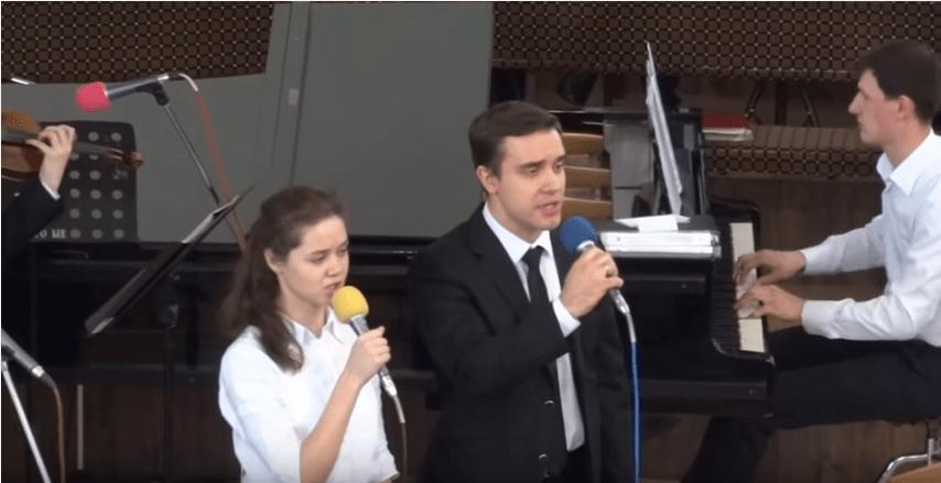 Strunnyy orkestr duet Eta noch' yarche vsekh nochey, znamenatel'ney vsekh sobytiy