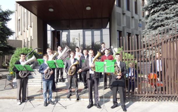 Духовой Оркестр играет на празднике Пасхи!