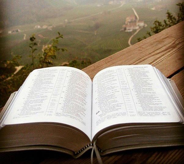 chtenie slovo Bozh'yego i Lyubov' ot Boga