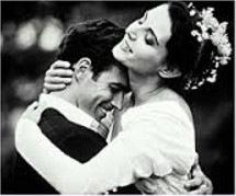 Suprugi naslazhdayushchiesya intimnostyu