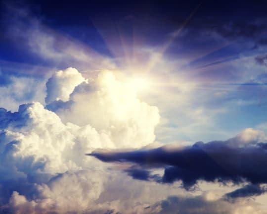 krasivye oblako i solntse