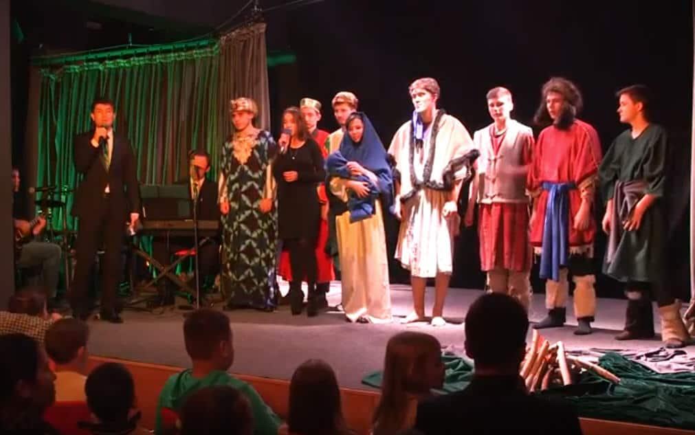 Rozhdestvenskoe chudo v teatre Zhas Sakhna