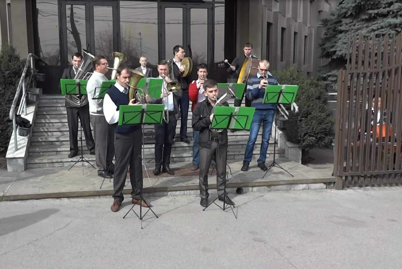 Dukhovoy orkestr Paskha 2017 na Budennogo 16
