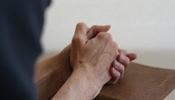 ruki v molitve